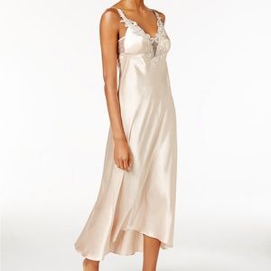 Flora by Nikrooze satin trim Nightgown
